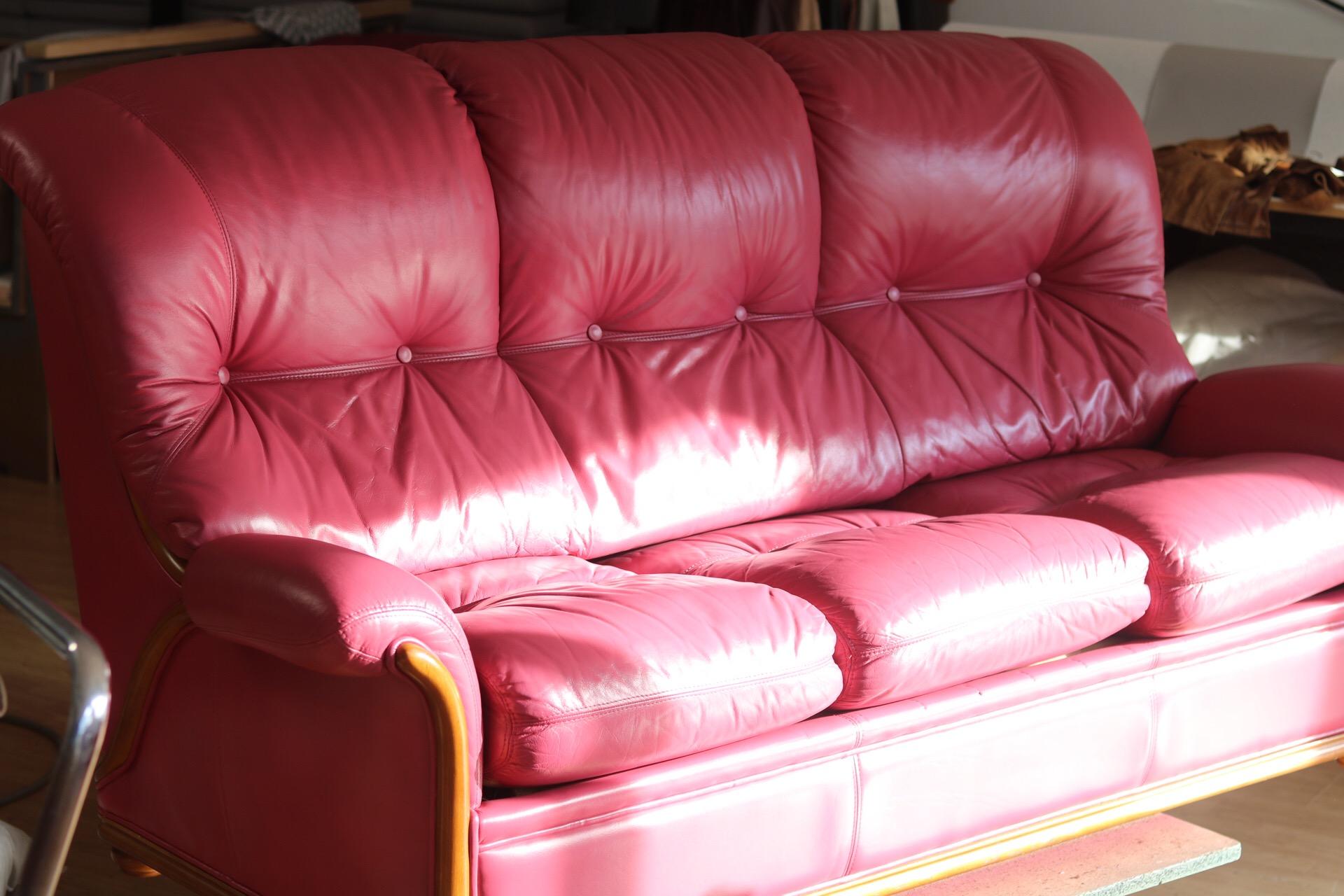 Changer La Couleur D Un Canapé En Cuir avant/après rénovation et reteinte à l'atelier relook cuir à
