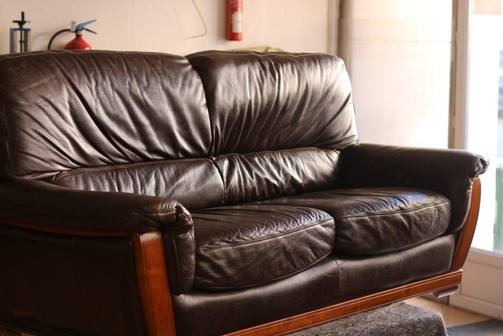 changement mousse sur canapé affaisé relook cuir nîmes artisans