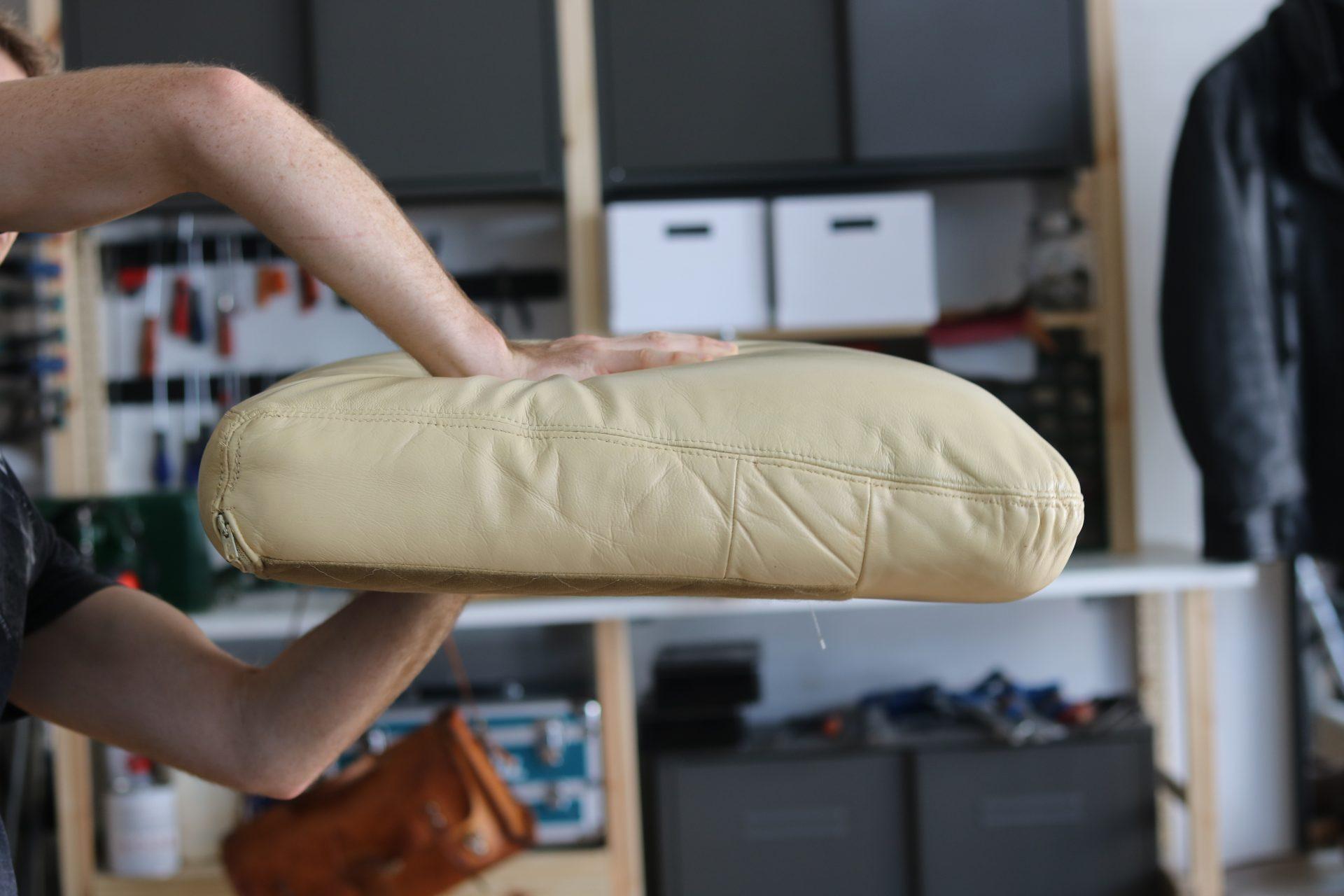 astuce pour choisir la résilience d'une mousse sur canapé en cuir