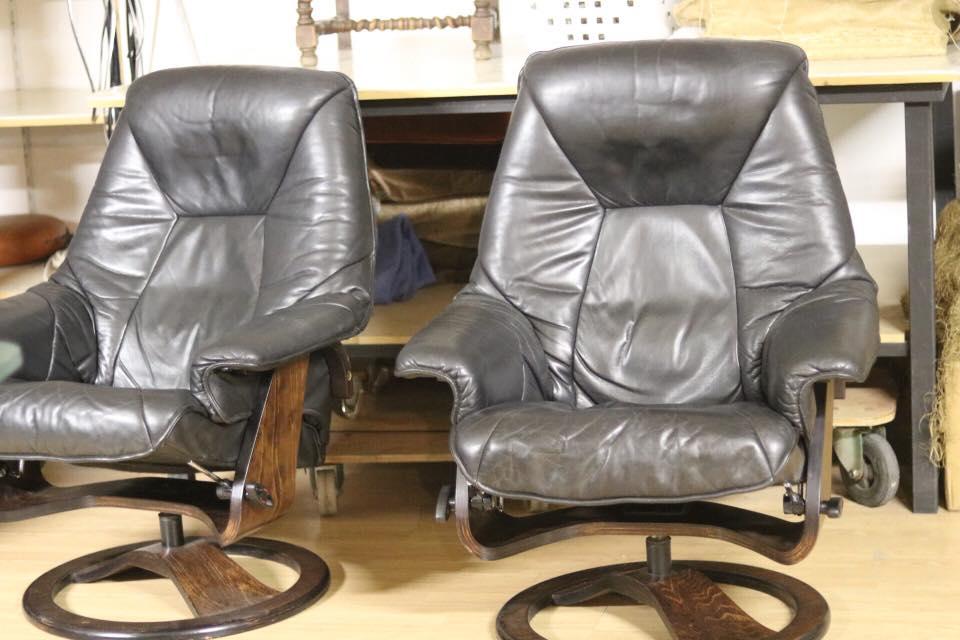 paire de fauteuils Relax dont l'assise était inconfortable